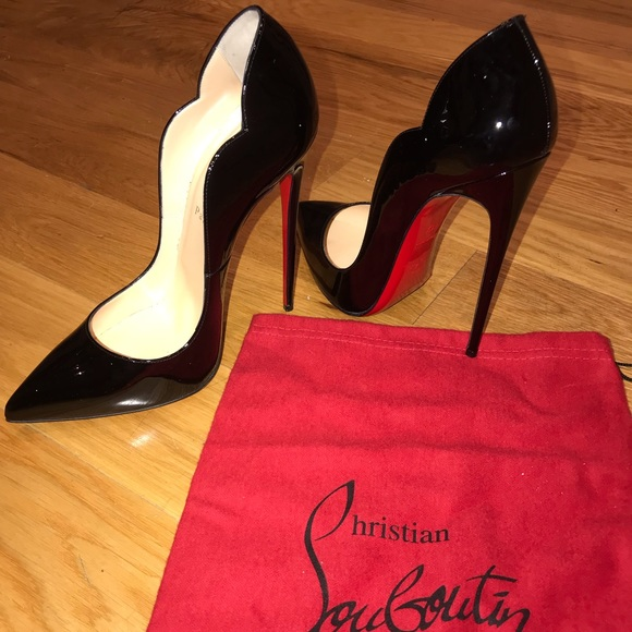 4efd068c6c3f Christian Louboutin Shoes